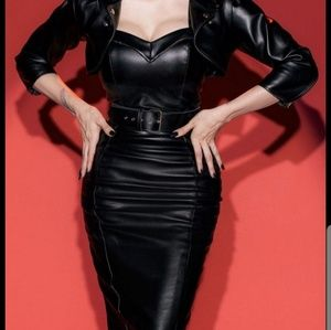 Deadly Dames Faux Leather skirt